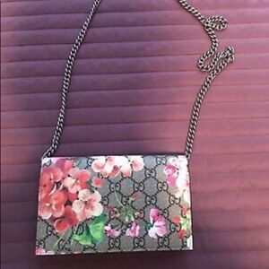 AUTHENTIC GUCCI GG Blooms Crossbody Bag